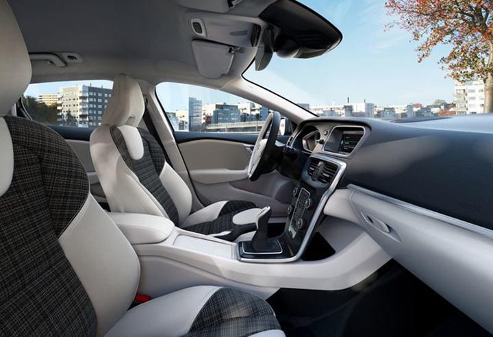 Volvo V40 Business Edition interni premium